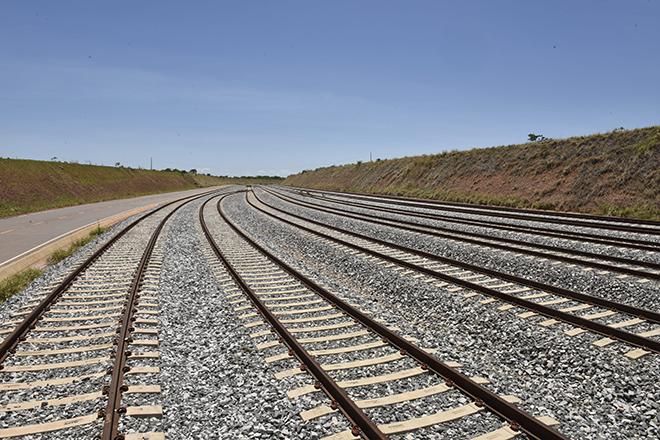 fe44fa9ea817f As ferrovias podem seguir o mesmo caminho percorrido pelo setor portuário  na ampliação da oferta de infraestrutura. Um projeto de lei em tramitação  no ...